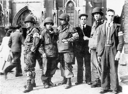 101st_with_members_of_dutch_resistance